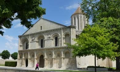 L'Église de Surgères